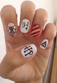 Nail art is a very popular trend these days and every woman you meet seems to have beautiful nails. It used to be that women would just go get a manicure or pedicure to get their nails trimmed and shaped with just a few coats of plain nail polish. Harry Potter Nail Art, Harry Potter Nails Designs, Cute Nails, Pretty Nails, Maquillage Harry Potter, Nail Art Disney, Gel Nails, Nail Polish, Nail Manicure