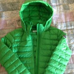 Lightweight down jacket in flawless condition. Down jacket, gently used, looks brand new. Abercrombie & Fitch Jackets & Coats Puffers
