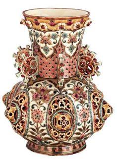Hungarikumok - Zsolnai porcelán váza