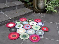 Ravelry: Hexagonal Door Mat: Crochet circles