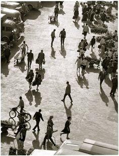 Printemps, Les Halles, 1964 by Robert Doisneau Robert Doisneau, Saint Chapelle, Jardin Des Tuileries, Robert Frank, Paris Ville, French Photographers, Vintage Paris, Paris Photos, Louvre