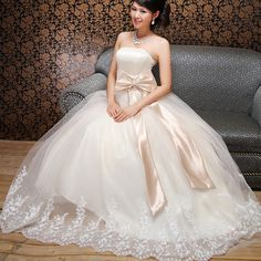 There are brides of all kinds, and that is why you need to know to choose the right Princesses Wear A Wedding Dress according to our style.