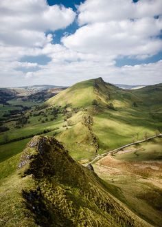 I feel so lucky to live quite close to here, such an amazing landscape! Chrome Hill, Peak District, England by Dave Button Peak District England, British Countryside, England And Scotland, Lake District, British Isles, Great Britain, Beautiful Landscapes, The Great Outdoors, Wonders Of The World