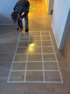 Näkymätön polku – Matikkanälkäpeli Tile Floor, Kids Rugs, Flooring, Crafts, Home Decor, Classroom Ideas, Manualidades, Decoration Home, Kid Friendly Rugs