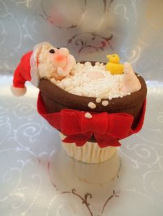 Christmas Cupcakes - by welshcottagecupcakes @ CakesDecor.com - cake decorating website