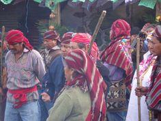 Algunso aqij durante la ceremonia maya celebrada en CECOPA en los actos del Oxlajuj B'aqtum