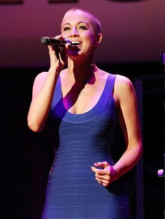 Kellie Pickler shows off her gorgeous shorn head (which she shaved in support of her BFF, who is battling cancer) at a concert. http://www.people.com/people/gallery/0,,20632770,00.html#21218075