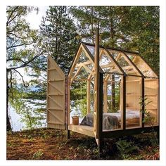 WOOD you want to stay in this little cabin in the woods?: WOOD you want to stay in this little cabin in the woods? Tiny Cabins, Tiny House Cabin, Tiny Guest House, Guest Houses, Log Cabins, Cabin Design, House Design, Cabin In The Woods, Little Cabin
