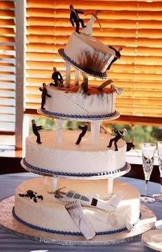 James Bond themed wedding cake @Jamie Wise Wise Witten. Great idea for a Bond party!
