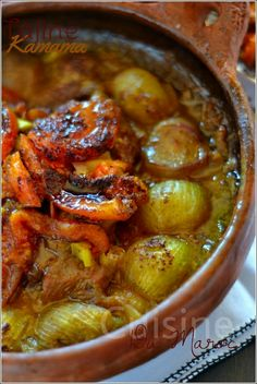"Tajine with Sweet onions and Tomato ""Kamama"" Morrocan Food, Algerian Recipes, Middle Eastern Recipes, International Recipes, Food Inspiration, Good Food, Food And Drink, Healthy Recipes, Dinner"