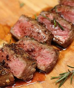Holy crapoli this was a great steak! Rosemary Garlic Butter Steak + Tips for Cooking a Great Steak Meat Recipes, Dinner Recipes, Cooking Recipes, Healthy Recipes, Cooking Ham, Smoker Recipes, Beef Dishes, Food Dishes, Steak Recipes