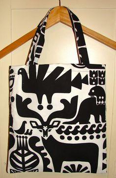 Marimekko Kanteleen Kutsu lined shopping tote, bag, purse, Finland via Etsy