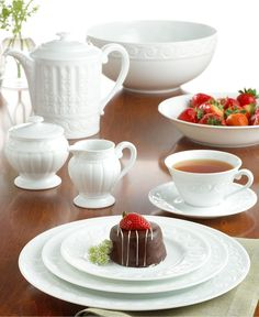 Shop the Louvre White Covered Sugar Bowl by Bernardaud, a dishwasher-safe white porcelain dinnerware, ideal for everyday use & country kitchens. White Dinnerware, Porcelain Dinnerware, China Porcelain, Porcelain Jewelry, Painted Porcelain, Hand Painted, Second Empire, White Dishes, China Patterns