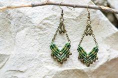 macrame earrings by Tribal Macrame https://www.etsy.com/es/listing/232376796/pendientes-de-macrame-verdes-inspirados?ref=shop_home_active_16