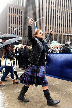 HQ Pics of Sam Heughan as Grand Marshal at the NY Tartan Parade | Outlander Online