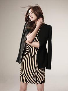 Los blazers: el complemento perfecto de las coreanas  En Corea del Sur es muy importante estar bien vestido, incluso si no es una ocasión especial. El estilo que se mira en las calles es casual, pero siempre con un toque elegante. http://www.corea.moda/2015/07/los-blazers-el-complemento-perfecto-de-las-coreanas.html