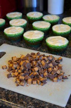 Chocolate Reese's-cheesecake cupcakes   DSC_0632-1