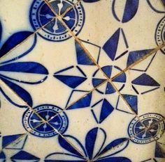 """Azulejos antigos no Rio de Janeiro: padrão holandês """"Rozenster"""" na Argélia?"""