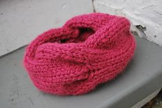 Children's Quick Knitted Cabled Cowl pattern by A Crafty House This is the greatest quick gift for a little kiddo…. you can easily finish this in an hour or two! It's perfect for the . Yarn Projects, Knitting Projects, Knitting Patterns, Sewing Patterns, Crochet Patterns, Cowl Patterns, Crochet Projects, Knitting For Kids, Knitting For Beginners