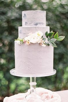 Trendy Marble Wedding Cakes ❤️ See more: http://www.weddingforward.com/marble-wedding-cakes/ #weddings