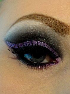 purple cat eye smokey eye shadow
