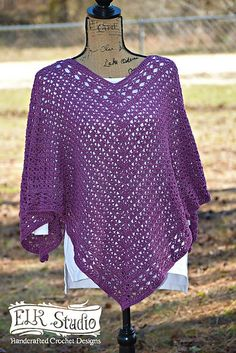 Crochet Designs Southern Diamonds Poncho Crochet-Along Week 2 by ELK Studio - Yay! The Southern Diamonds Poncho Crochet-Along is finally here! Get your yarn and hook moving because we've got a poncho to make! I'm so excited! Crochet Shawls And Wraps, Crochet Scarves, Crochet Clothes, Crochet Sweaters, Crochet Vests, Crochet Shirt, Knitted Shawls, Crochet Dresses, Crochet Beanie