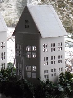 Winterhouses out of cardboard...