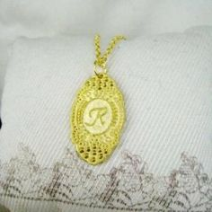 Gold Initial R Necklace Gold - One Size Pandora Like Bracelets, Jewelry Boxes Wholesale, Gold Necklace, Pendant Necklace, Initials, Crochet Earrings, Accessories, Fashion, Moda