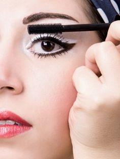 Make-up Trends for Fall 2014 Bold Lashes