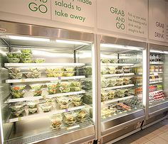 Primus - grab and go salad display food salad shop, salad restaurants, cafe Salad Shop, Salad Bar, Food Salad, Cafe Menu, Cafe Food, Juice Bar Design, Boutique Bio, Food Retail, Sandwich Shops