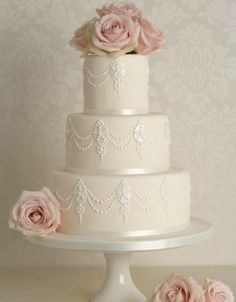 This could be a pretty cake if modified just a little to our colors/flowers