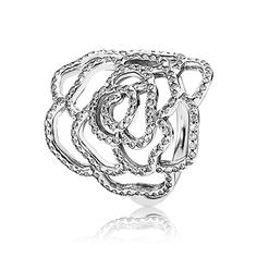 Embellished with 167 shiny flush-set stones, this glorious sterling silver statement ring creates a glamorous and elegant evening look. #PANDORA #PANDORAring