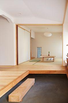 突然の来客、荷物の受け取りなど、玄関は一番人目につきやすい場所です。最近は玄関先での家庭訪問が主流になってきているようですし、玄関でも快適に話ができるようにし…