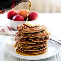 Steel Cut Oat Apple Blender Pancakes - these may be Gluten Free, but they are delicious! Instead of flour, use steel cut oats. So simple! Gluten Free Breakfasts, Gluten Free Recipes, Healthy Recipes, Healthy Desserts, Easy Recipes, Healthy Food, Apple Recipes, Whole Food Recipes, Cooking Recipes