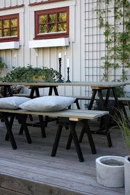 Tror nog banne mig det bor en liten Ernst i maken osså. Outdoor Balcony, Outdoor Areas, Outdoor Tables, Outdoor Decor, Lounge Furniture, Garden Furniture, Outdoor Furniture Sets, Porch Garden, Diy Interior