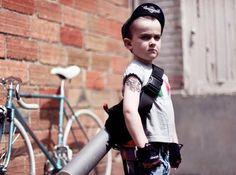 That's one tough bike messenger. Kids Atv, Kids Bike, Bob Dylan Children, Happy Children, Mini Bici, Fixed Gear Girl, Bike Messenger, Childhood Photos, Cycle Chic