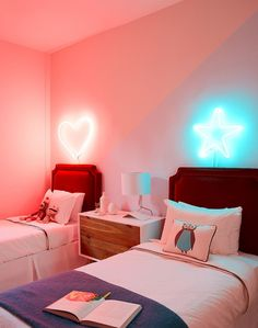 trendy neon bedroom ideas 1 – Home Design Inspirations Neon Bedroom, Modern Bedroom, Bedroom Decor, Bedroom Wall, Star Bedroom, Bedroom Ideas, Bedroom Lighting, Kids Bedroom, Apartment Curtains