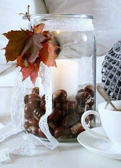 decorate-in-autumn - Diy Fall Decor Halloween Door Decorations, Christmas Decorations, Table Decorations, Holiday Decor, Large Glass Jars, Conkers, Deco Floral, Autumn Crafts, Deco Table