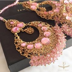 In love with this Bridal Set by @jewels_gems   Embrace the pink for a chic romantic look on your big day  #bridetobe #bridal #jewelsngems #bridalfashion #bridaljewellery #bridalglam #engaged #engagement #wedding #bridetobe #earrings #fashion #style #showthebride by showthebride