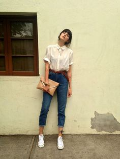 Get this look: More looks by Paz Halabi Rodriguez: lb. - Mom Dress Casual - ideas of Mom Dress Casual - Get this look: More looks by Paz Halabi Rodriguez: lb.nu/ Items in this look: H&M Blouse Topshop Mom Jeans Converse White Bimba&Lola Clutch Fashion Moda, Look Fashion, Fashion Outfits, Womens Fashion, Fashion Beauty, Trendy Fashion, Street Fashion, Fasion, Fashion Trends