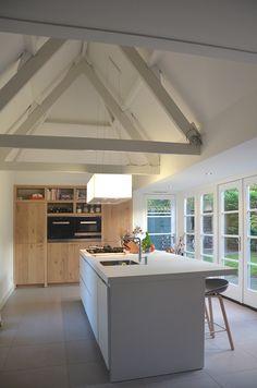 Meer dan 1000 idee n over balken plafonds op pinterest plafonds met houten balken plafonds - Hoog plafond ...