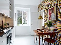 10 Examples of Wallpaper in the Kitchen: Just a Splash, Used Well