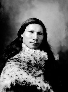 historical photos of the Standing Rock Sioux Unidentified Native American man.