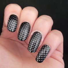 Squeaky Nails: Dizzying Dots (Bundle Monster BM-412) http://www.squeakynails.com/2014/08/dizzying-dots-bundle-monster-bm-412.html @bundlemonster