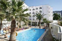 Griekenland Kreta Chersonissos  Wat is het hier genieten! Het gezellige loungeterras aan zee de knusse kamers en de perfecte ligging maken Glaros tot een topper. Je bent zo in het centrum op de boulevard of op het strand. Het...  EUR 422.00  Meer informatie  #vakantie http://vakantienaar.eu - http://facebook.com/vakantienaar.eu - https://start.me/p/VRobeo/vakantie-pagina