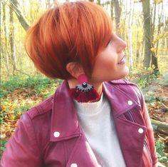 Credits to: lavieduneblondie Red Hair Pixie Cut, Short Red Hair, Blonde Pixie, Short Hair Cuts, Short Hair Styles, Pixie Bob Hairstyles, Cute Hairstyles For Short Hair, Pixie Haircut, Pretty Hairstyles