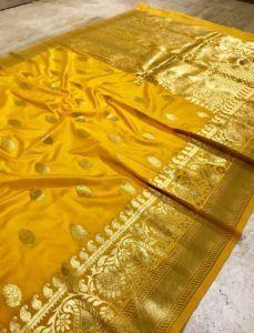 Yellow Banarasi Silk Weaving Saree With Heavy Rich Zari Pallu And Blouse