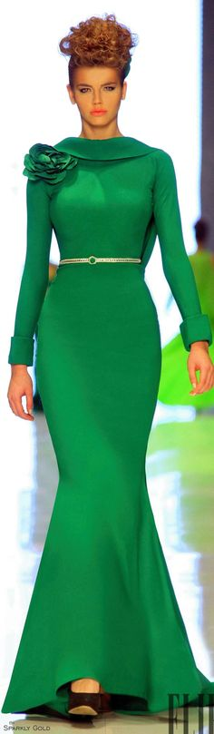 Fouad Sarkis S/S 2014 Beauty And Fashion, Green Fashion, Vestidos Red Carpet, Beautiful Gowns, Beautiful Outfits, Elegant Dresses, Pretty Dresses, Style Vert, Mode Glamour
