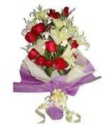 Red Roses Hand Bouquet LUV029