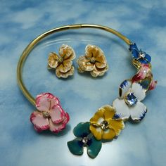 KJL Kenneth Jay Lane Gold Multi Enamel & Crystal Flower Garden Collar Necklace Set